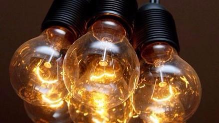 Tarifas eléctricas bajan para viviendas, comercios e industrias