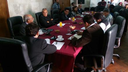 Vicegobernador evalúa presentar acción de amparo para mantener sueldo