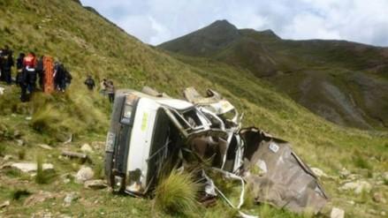 VRAEM: cuatro muertos deja despiste y caída de camión a barranco