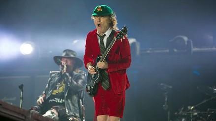 Facebook: prensa extranjera elogia debut de Axl Rose con AC/DC