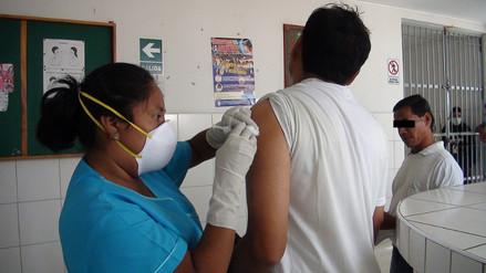 Vacunan a internos de penal de Chiclayo contra la influenza