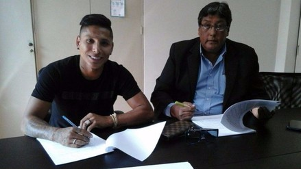Universitario: Raúl Ruidíaz firmó su renovación hasta el 2019
