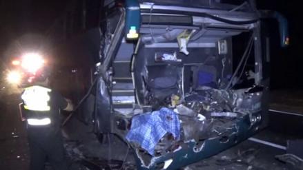 Huaura: choque entre bus y tráiler dejó un muerto