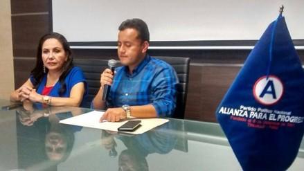 Richard Acuña descarta que su padre haya solicitado ministerio a PPK