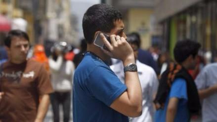 Más de 112.000 peruanos cambiaron de operador de telefonía en abril