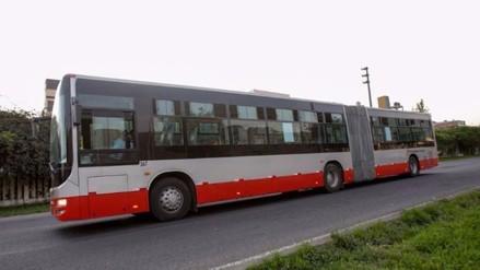 Facebook: buses articulados ingresan a corredor Javier Prado y son criticados
