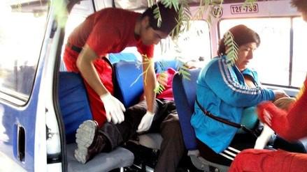 Trujillo: choque entre combi y microbús deja dos heridos