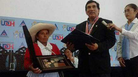 Chiclayo: Máxima Acuña recibe reconocimiento como visitante distinguida