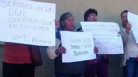 Padres realizan protesta por bullying en colegio Benigno Ballón Farfán