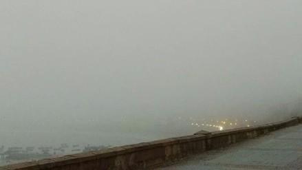 Densa neblina cubre Lima esta mañana