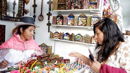 Mincetur abre feria para impulsar artesanías hechas a mano