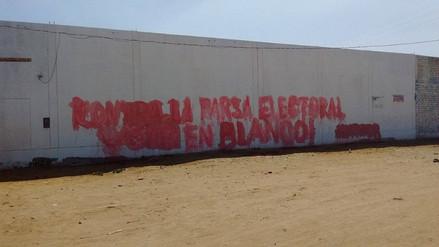 Chiclayo: aparecen pintas induciendo al voto en blanco