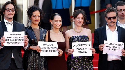 Cannes: Sonia Braga encabeza protesta por 'golpe encubierto' en Brasil