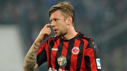 Marco Russ prefiere salvar al Eintracht Frankfurt que cuidarse por tumor