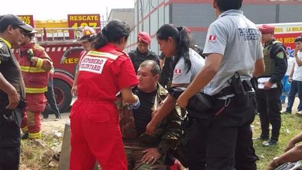 Ate: policias heridos tras choque entre camioneta de la PNP y auto