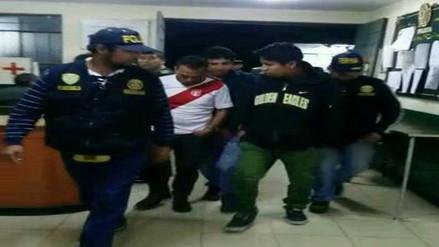 """Capturan a """"Los Tenderos de Lambramani"""" en estacionamiento de centro comercial"""