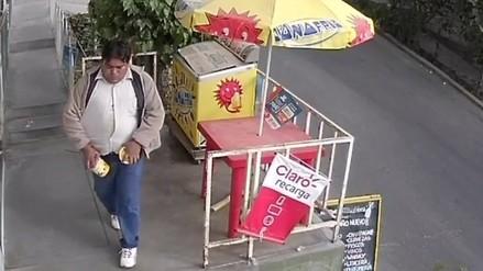Capturan a sujeto que robaba helados en minimarket