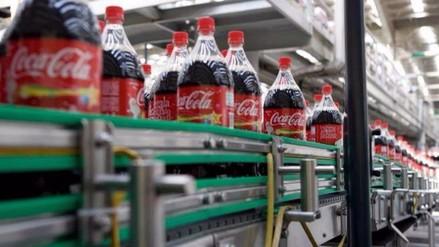 Coca Cola suspende producción en Venezuela por falta de azúcar