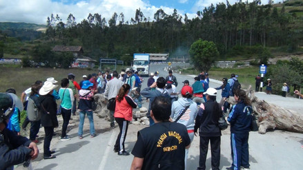 Bambamarca acata octavo día de paro indefinido