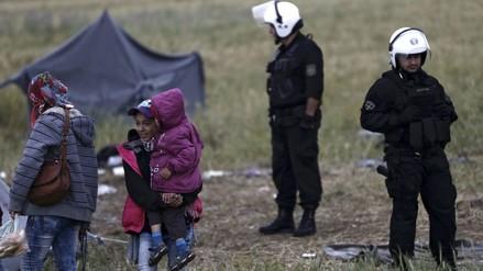 Grecia: Policía comienza a desalojar campamento de refugiados