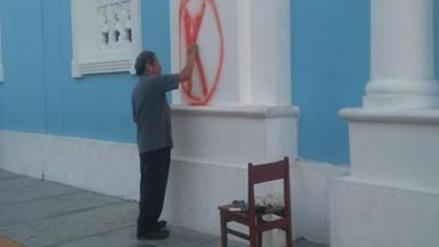 Trujillo: Arzobispado indaga sobre pintas en fachada de colegio Seminario