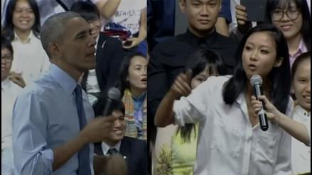 YouTube: Barack Obama sorprende rapeando con una joven en Vietnam