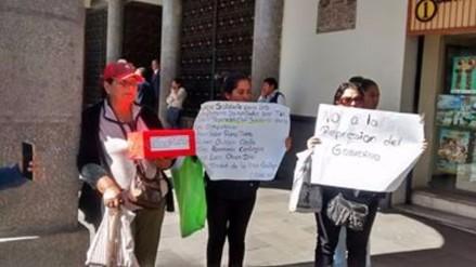 Realizan colecta pública para dirigentes antimineros de Tambo