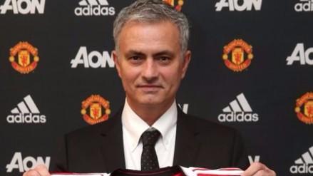 José Mourinho fue presentado como nuevo técnico de Manchester United