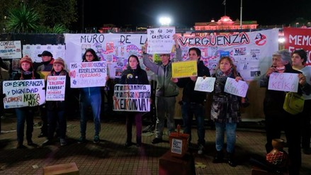 Peruanos en Argentina protestan contra la candidata Keiko Fujimori