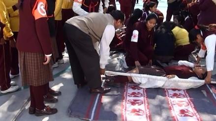 Escolares participaron de simulacro de sismo en Arequipa