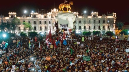 Decenas de miles marcharon contra candidatura de Keiko Fujimori en Lima