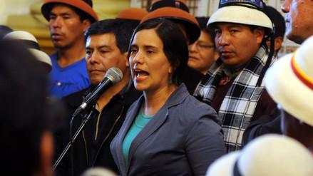Verónika Mendoza llama a votar por PPK en quechua