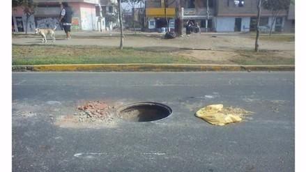 VMT: reportan buzón sin tapa en la avenida Salvador Allende