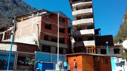 Edificio construido clandestinamente se inclina en Machu Picchu pueblo