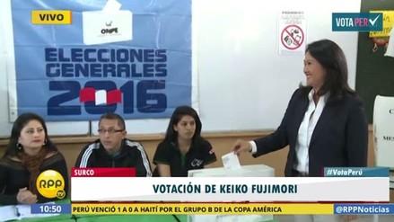 Keiko Fujimori emitió su voto en colegio de Surco