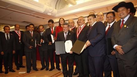 ¿Quiénes son todos los gobernadores regionales del Perú?