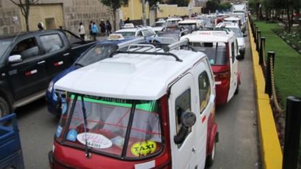 Mototaxistas rechazan ordenanza que prohíbe ingresar a la Plaza de Armas