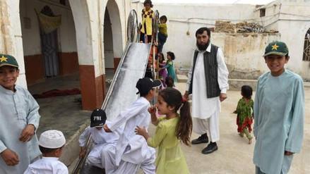 Conoce al paquistaní que tiene 35 hijos y quiere tener 65 más