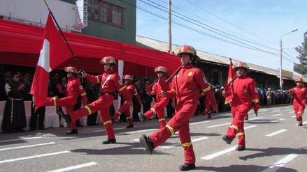 Juliaca: diversas instituciones renovaron juramento a la bandera