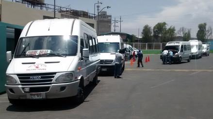PNP investiga detonación de cartuchos en empresa minivan