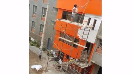 Construcción de escalera invade vereda en Villa María del Triunfo