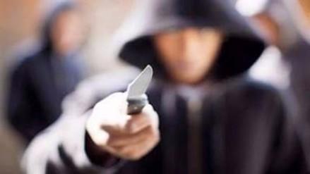 Sujeto ataca con cuchillo a 4 personas en centro comercial de Sídney