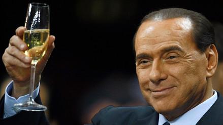 Berlusconi sufre ataque cardiaco y será operado la próxima semana