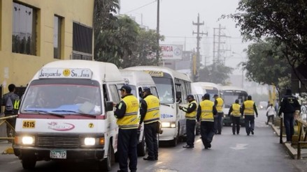 Intervienen combis que operaban sin autorización en carretera Central