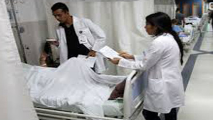 Fallecen dos adultos mayores por neumonía en Arequipa
