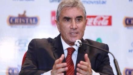 Juan Carlos Oblitas justificó la titularidad de Renzo Revoredo