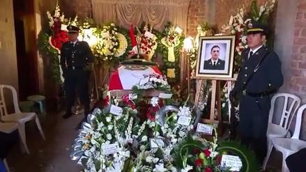 Huanchaco: sepultan a policía fallecido en laguna La Grande