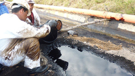 Piden atención en zona afectada por derrame de petróleo