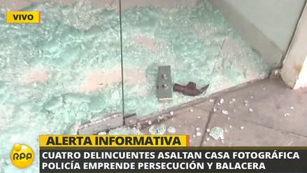 Asalto en tienda de cámaras en San Isidro acabó en balacera