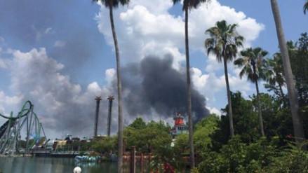 Incendio de grandes proporciones alarma a visitantes de Disney World